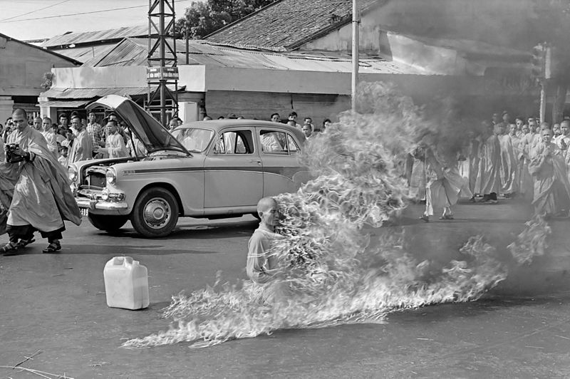Thich Quang Duc self immolation buddhist crisis